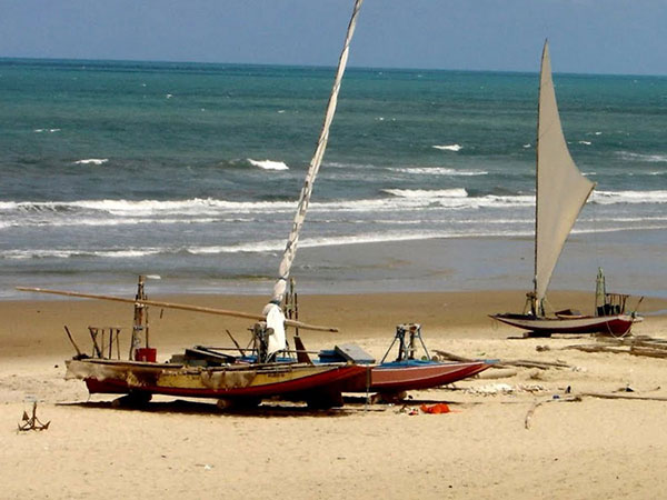praia-de-parajuru-600-450